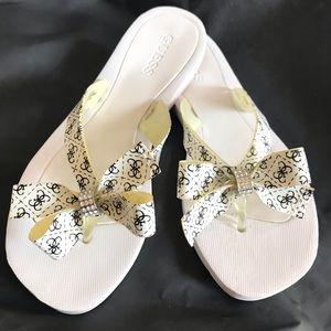 Guess flip flops size 6